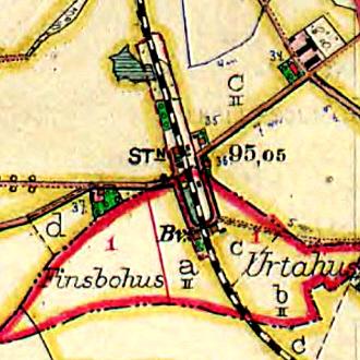 Trolleholms station. Nya smedjan i gröna rutan tv om station.